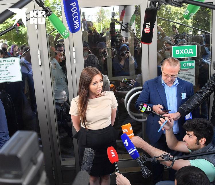"""Адвокат Юлия Нитченко: """"Мы хотим, чтобы действия сестер дополнительно квалифицировали как корыстный мотив""""."""