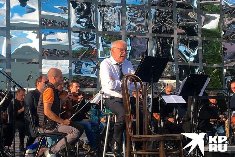 Актер Сергей Гармаш сегодня выступил на Международном фестивале Чайковского в Клину.