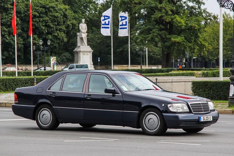 Любимый всеми Mercedes S600 W140 («шестисотый» — прим.ред.) очень популярен и сейчас.