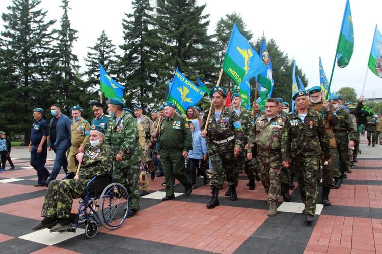 День ВДВ в Иркутске 2020 отмечали все причастные, все желающие, их родственники, друзья и знакомые