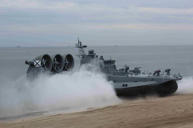 Малый десантный корабль на воздушной подушке «Евгений Кочешков».