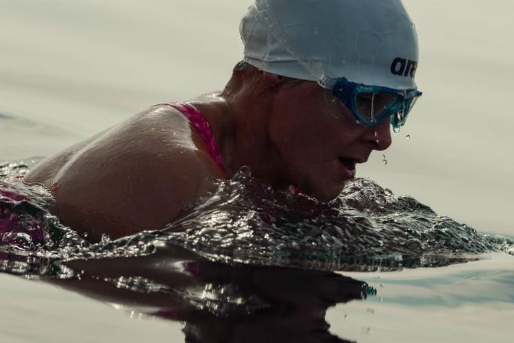 Не боимся ледяных вод – плывем на мировой рекорд! Фото: Илья КИСЕЛЕВ