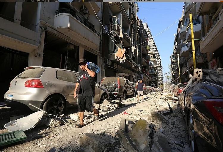 Сильнее всего пострадали районы Бейрута, прилегающие к гавани.