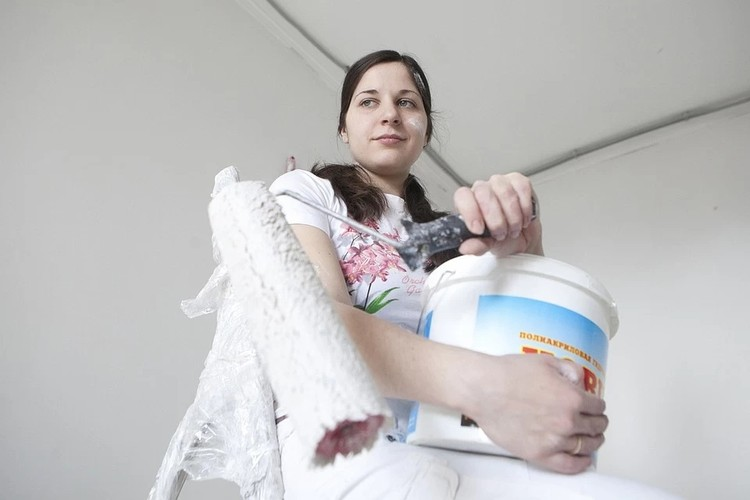"""Конфликт также появлялся из-за того, что женщине приходилось и работать на"""" удаленке"""", и с ребенком делать уроки и готовить"""