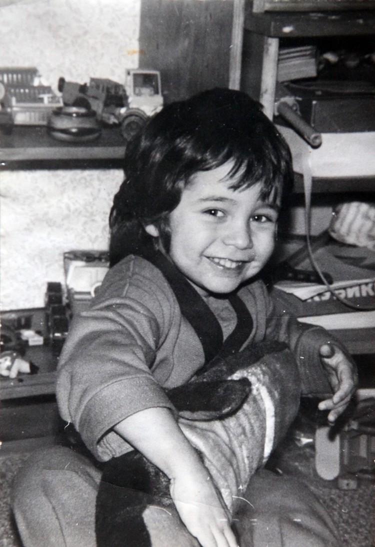 Александр Цой в детстве. Фото: репродукция Тимура Ханова