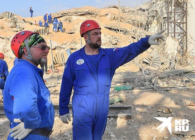 Российские спасатели, прибывшие в Бейрут, ведут разборы завалов
