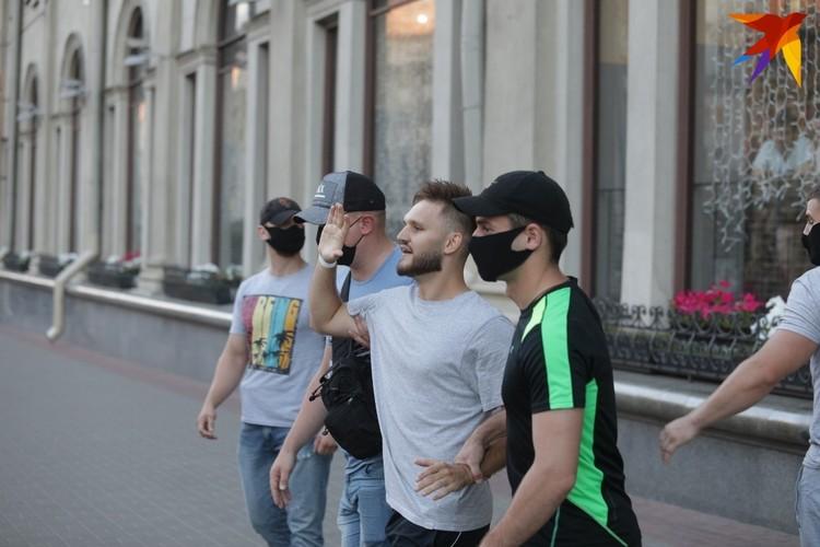 Массовые задержания прошли накануне основного дня голосования на президентских выборах