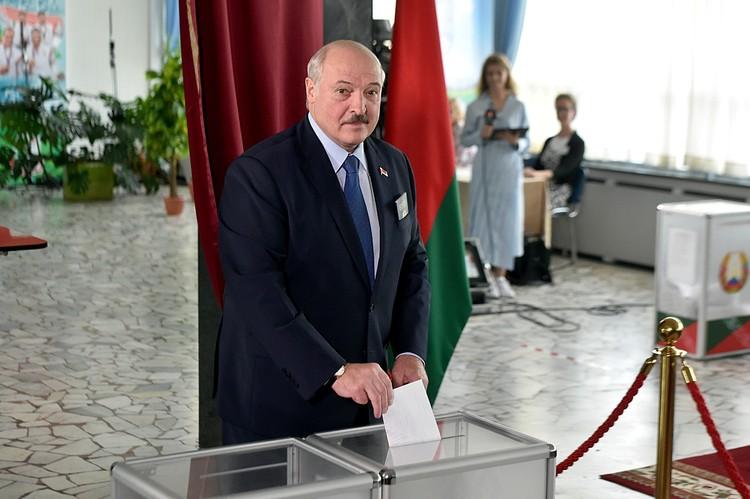Действующий президент, Александр Лукашенко