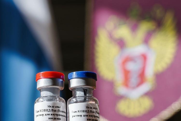 «КП» собрала ответы на главные вопросы о новой российской прививке против ковида. Фото: Дмитрий Куракин/Пресс-служба Минздрава России/ТАСС