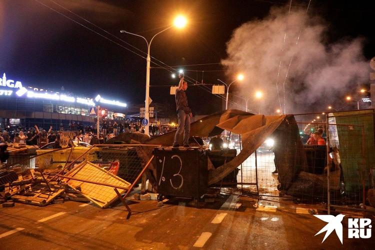 В Минске появилось и это! Причем, протестующие продемонстрировали муравьиную работоспособность и слаженность.