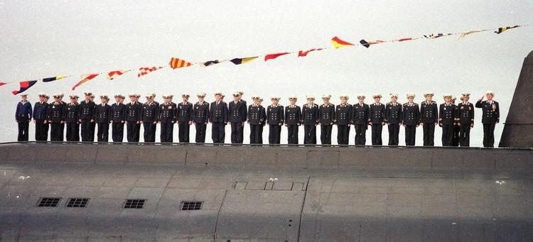 Экипаж атомной подводной лодки «Курск». Запомним их такими…