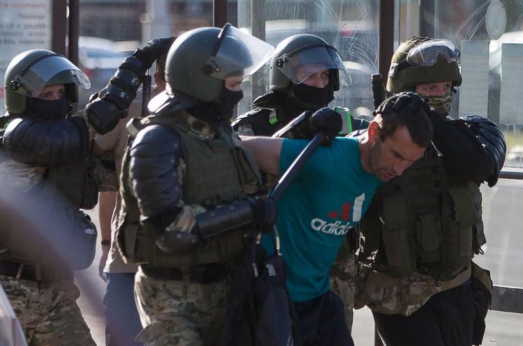 CNN поднимает тему жестокого обращения в Белоруссии с журналистами: