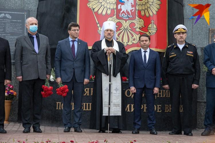 Первые лица Мурманска и области сказали немало трогательных и важных слов в память о погибших.