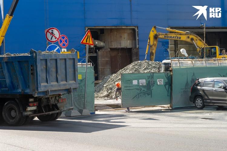 Официально: никакой опасности для Мариинки строительство метро не представляет.
