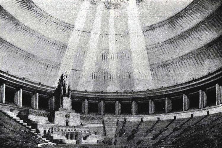 В Большом зале дворца могла спокойно разместиться колокольня Ивана Великого (81 м). Эскиз.