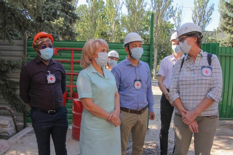 Флоранс Жиллет проинспектировала восстановительные работы амбулатории №4 в Горловке