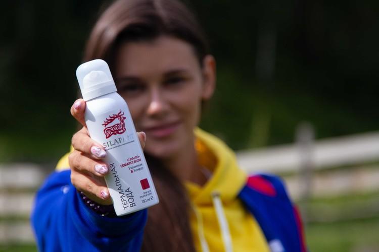 Наталья Мощенко выбрал средство по уходу за кожей в путешествии от компании «Две линии».