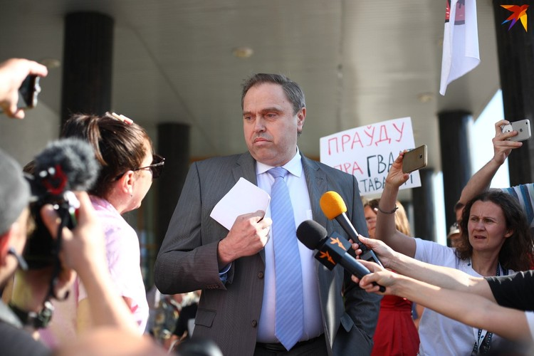 Владимир Караник больше не министр здравоохранения, сейчас он - глава Гродненской области.