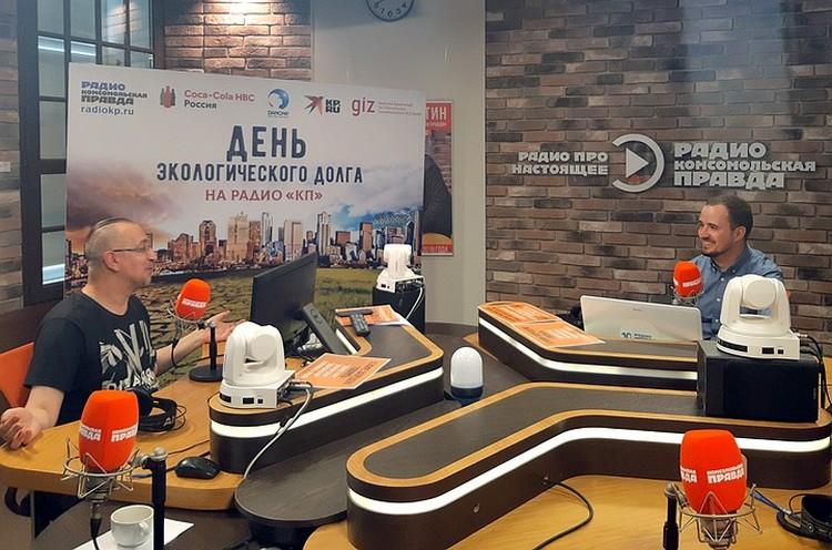 Василий Фокин, руководитель направления устойчивого развития Danone в России и СНГ (на фото справа).