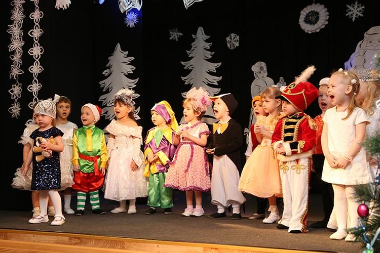 Впервые порог кемеровской детской школы искусств № 15 многие дети переступают еще в 2-летнем возрасте. Фото: ДШИ №15