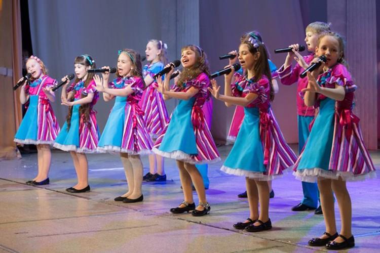 Ежегодно ученики ДШИ №15 побеждают на всероссийских и международных конкурсах по всем направлениям.