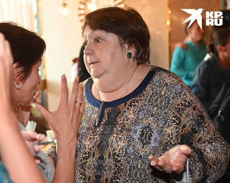 Мама Панина Татьяна Власова помогает актеру воспитывать дочь Нюсю.