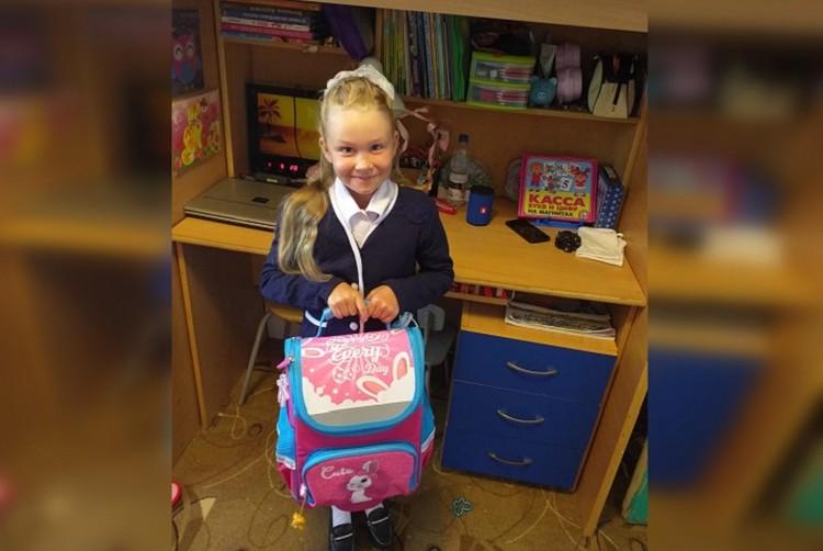 Скорее всего, Вика Селезнева будет единственной ученицей своего класса на протяжении 4 лет. Фото: предоставлено родителями девочки