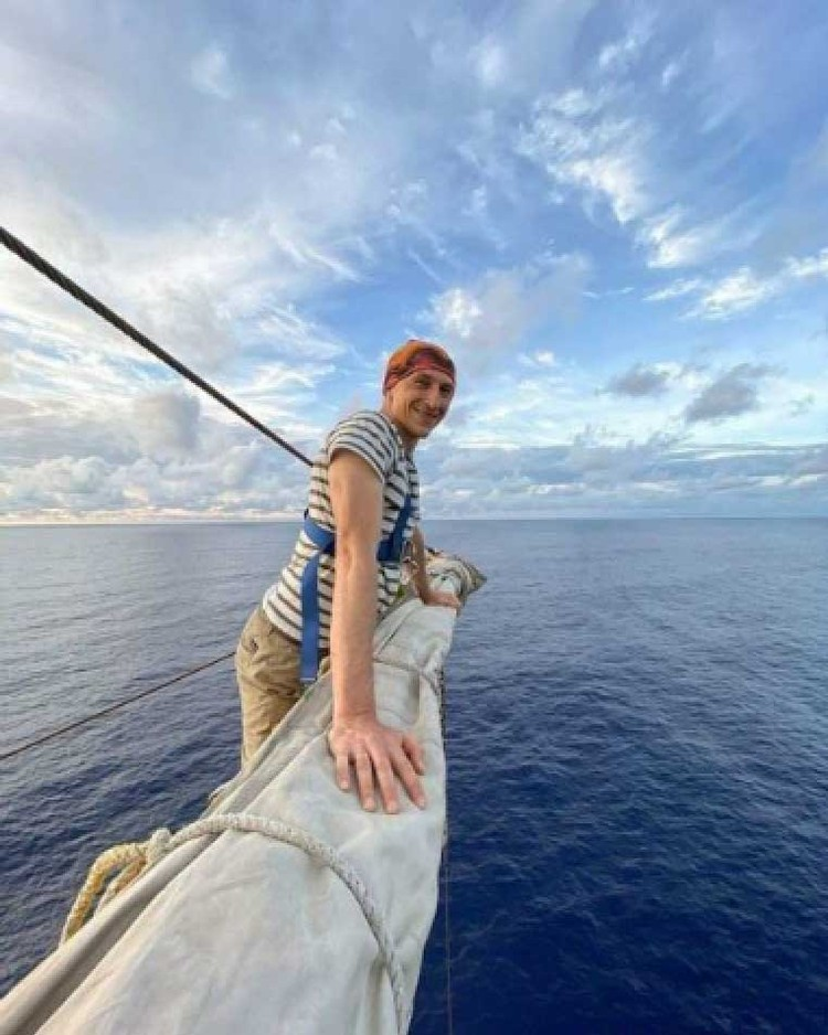 Григорий Кубатьян во время плавания научился ставить паруса, как заправский моряк. Фото: Григорий КУБАТЬЯН