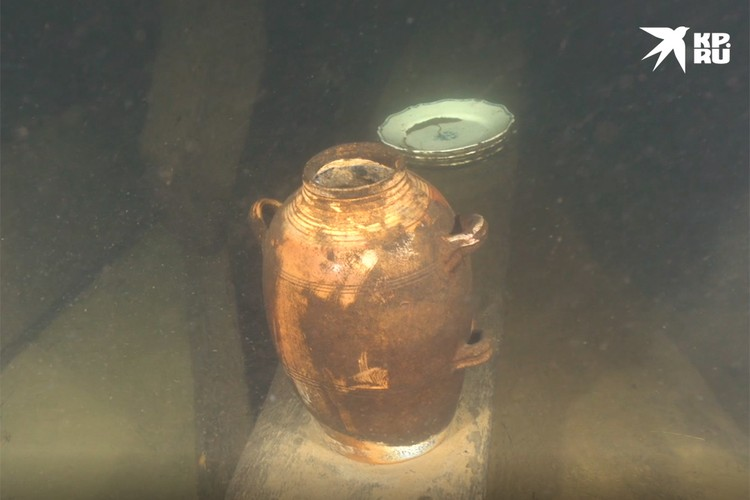 В этом кувшине хранились апельсины. И спустя 300 лет они не утратили свой аромат. Фото: ЦПИ РГО