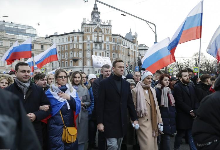 Отравленную бутылку могла привезти одна из соратниц Навального