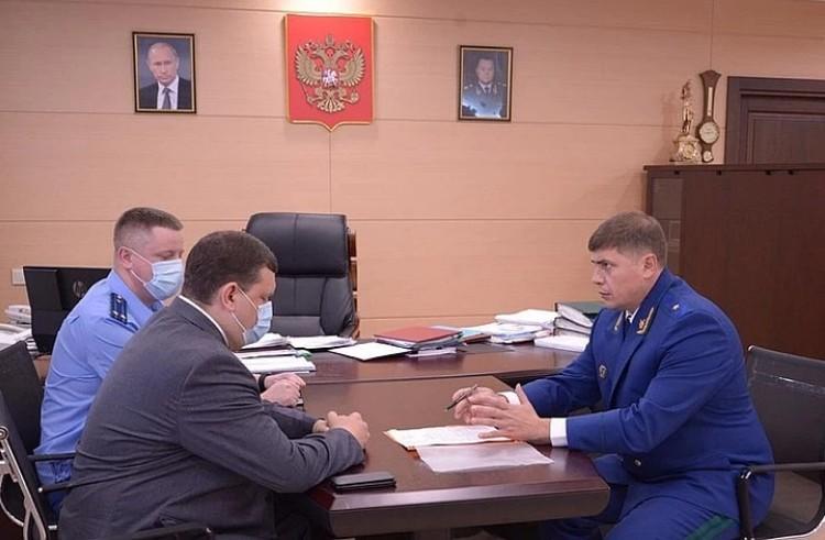 Прокурор вынес еще тогда министру предостережение Фото: краевая прокуратура