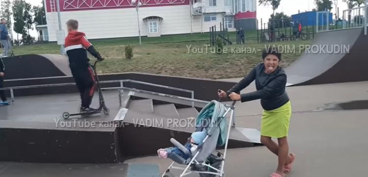 В Тульской области на уронившую ребенка на скейт-площадке женщину составили протоколы