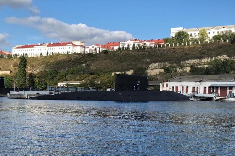 Дизельные подводные лодки в Севастопольской бухте впечатлили Шумского Фото: shumskiy.su
