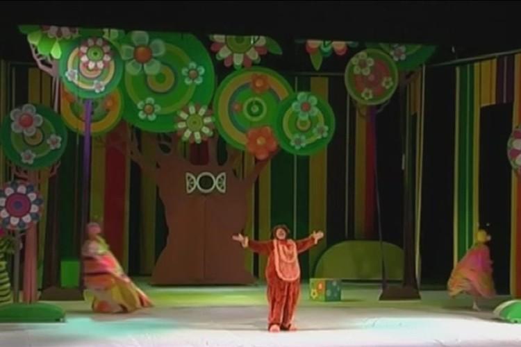 На протяжении вот уже нескольких десятков лет приключения Винни Пуха вдохновляют кинематографистов и режиссеров театра на создание новых постановок. Фото: Новокузнецкий драматический театр