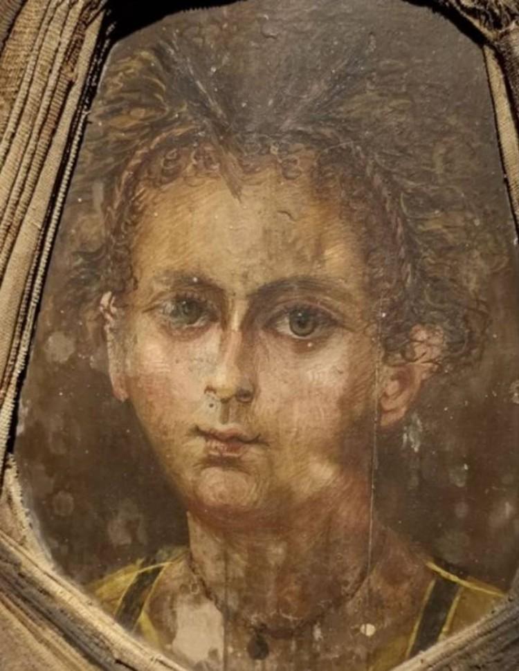 Портрет мальчика, выполненный древним художником.