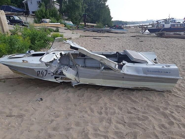 """""""Казанка"""" пошла на дно, люди, которые были на борту, оказались в воде"""