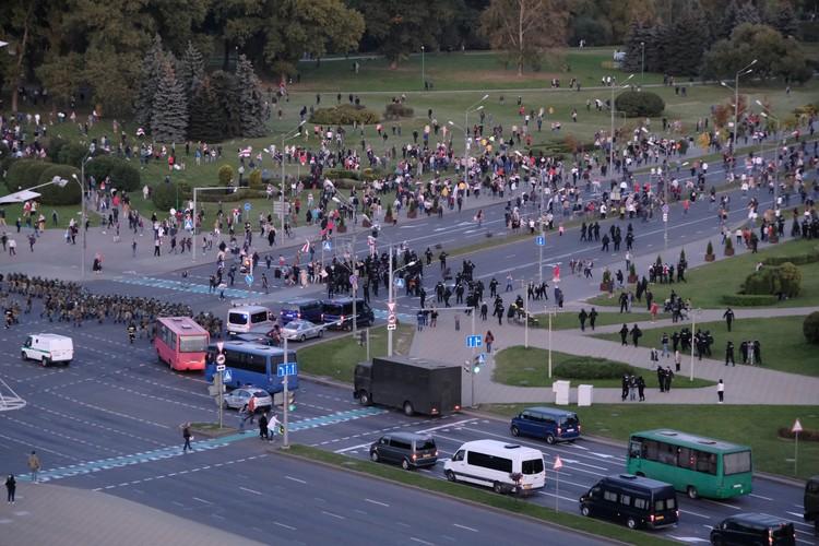 Шествие протестующих в Минске