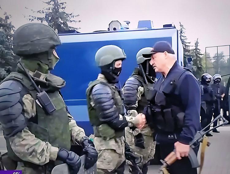 Белоруссии нам очень сложно помочь. Потому что главный организатор того, что произошло, сам Лукашенко