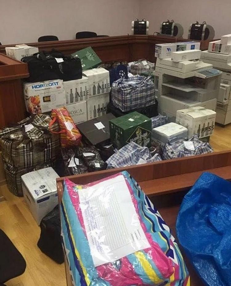 Дмитрий Захарченко был задержан при получении взятки в размере 7 миллионов рублей. В его квартире обнаружено наличных средств на 8 миллиардов.ФОТО: Оперативная съемка, предоставлено kommersant.ru