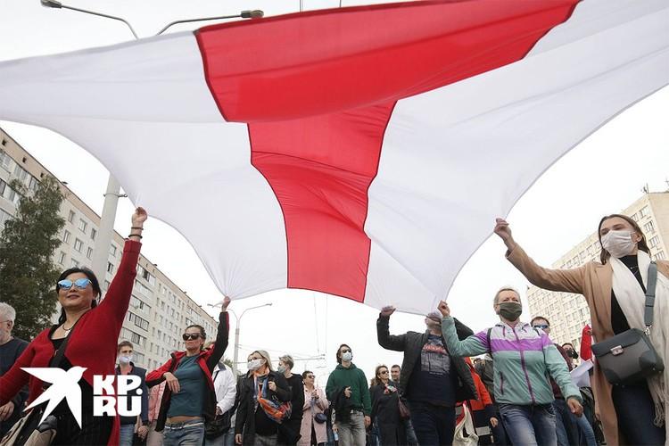 Во время шествия оппозиции в Минске, 10 октября 2020 г.