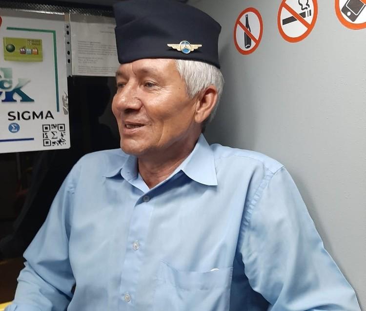 Водителю автобуса Сергею Седельникову тоже сшили красивую формую