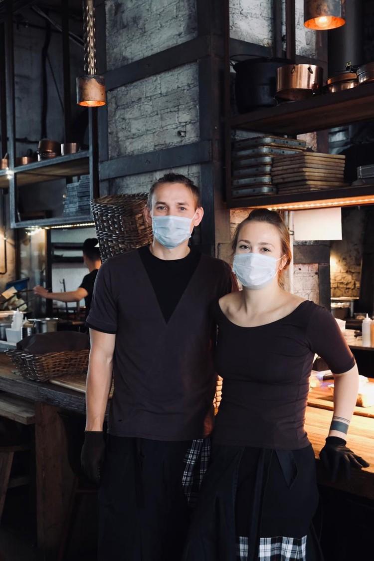 Сотрудники ресторана Ugolёk каждые две недели делают тест на ковид