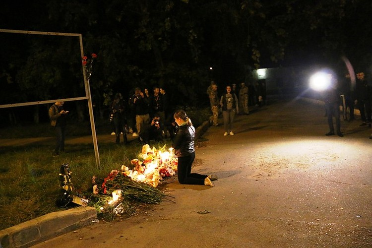 Стена плача в Керчи появилась 17 октября 2018 года. Фото: архив КП
