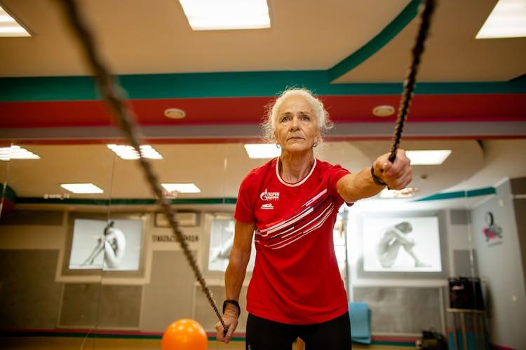 Надежда Медведева, ее супруг и дочь — почетные жители Тракторозаводского района. Все они — мастера спорта.