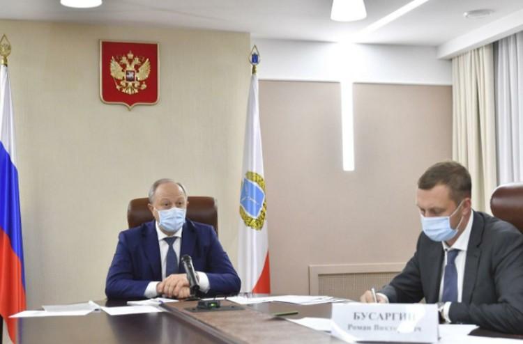 Валерий Радаев поручил решить вопрос с лекарствами в аптеках. Фото: пресс-служба губернатора Саратовской области