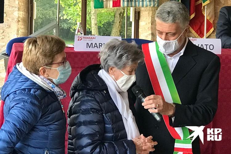 Мария Бертилла Марин и мэр Кальдиеро Кальдиеро Марчелло Ловато