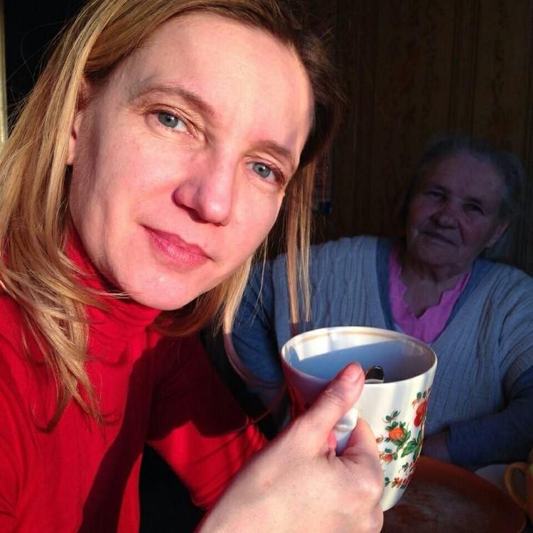 Марина с мамой. Фото: предоставлено пресс-службой Ельцин Центра.