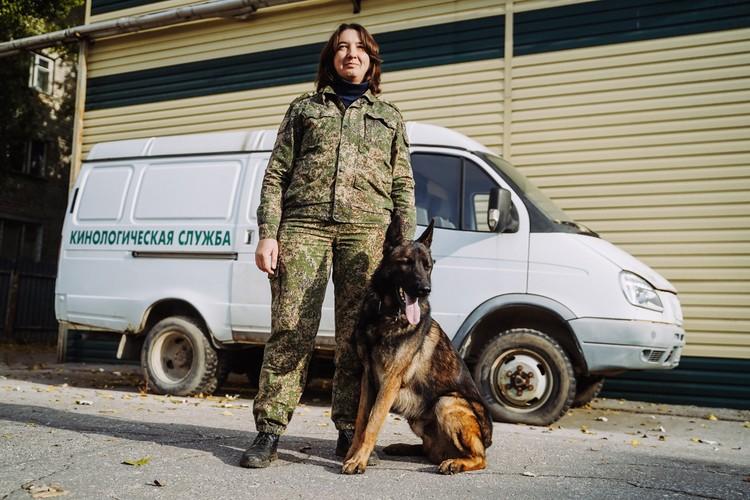 """Даже во время пандемии Нина Курдова и ее напарник часто ездят на проверки товаров, которые могут содержать """"запрещенку"""""""