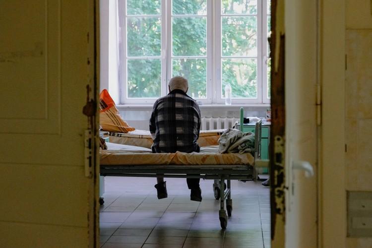 Пациенты, перенесшие коронавирус, жалуются на тяжелые последствия