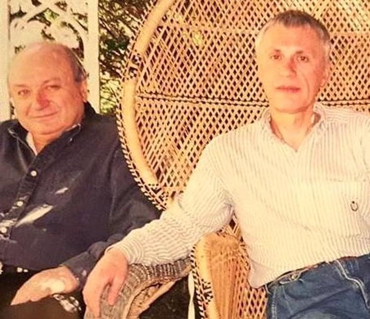 Бессменный директор Михаила Михайловича Олег Сташкевич.